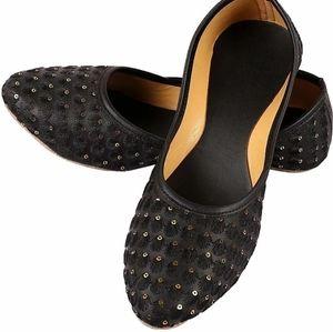 Women black flats sandals